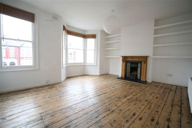 Flat/apartment to let - St Johns Avenue, London, NW10