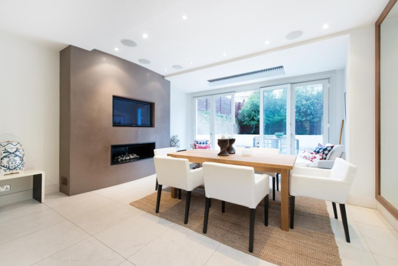 House to let - Graham Terrace, Belgravia, SW1W