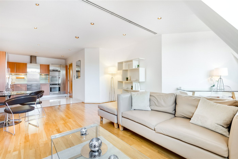 Flat/apartment for sale - Hans Crescent, London, SW1X