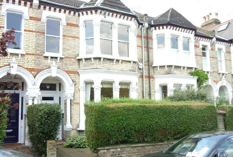 House to let - Elm Bank Gardens, Barnes, SW13