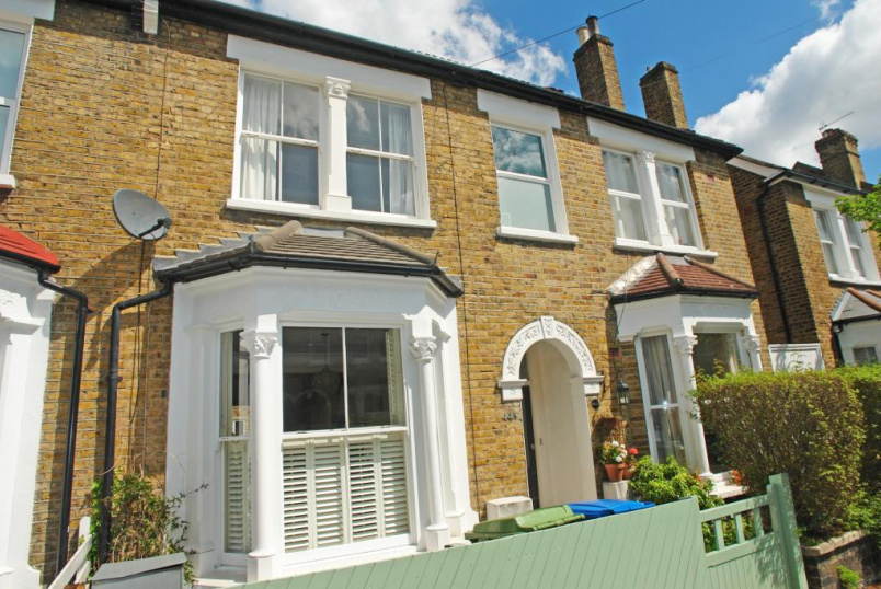 House to rent in Dulwich - Heber Road, East Dulwich, SE22