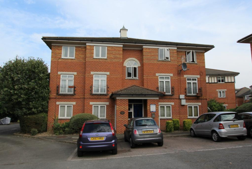 Flat/apartment to rent in Hendon - Chatten Court, 11 Swynford Gardens, London, NW4