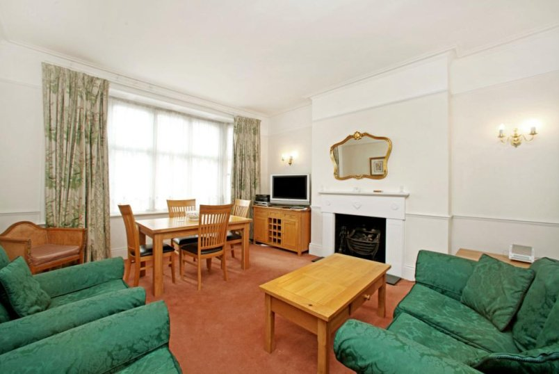 Flat/apartment to rent in West End - Russell Square Mansions, Southampton Row, Bloomsbury, WC1B