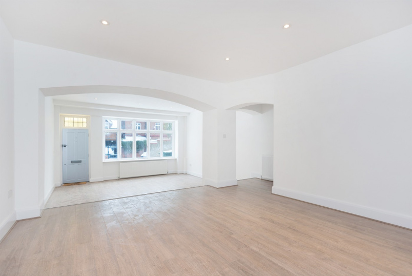 Detached house to rent in St Johns Wood - NETHERALL GARDENS, NW3 5RN