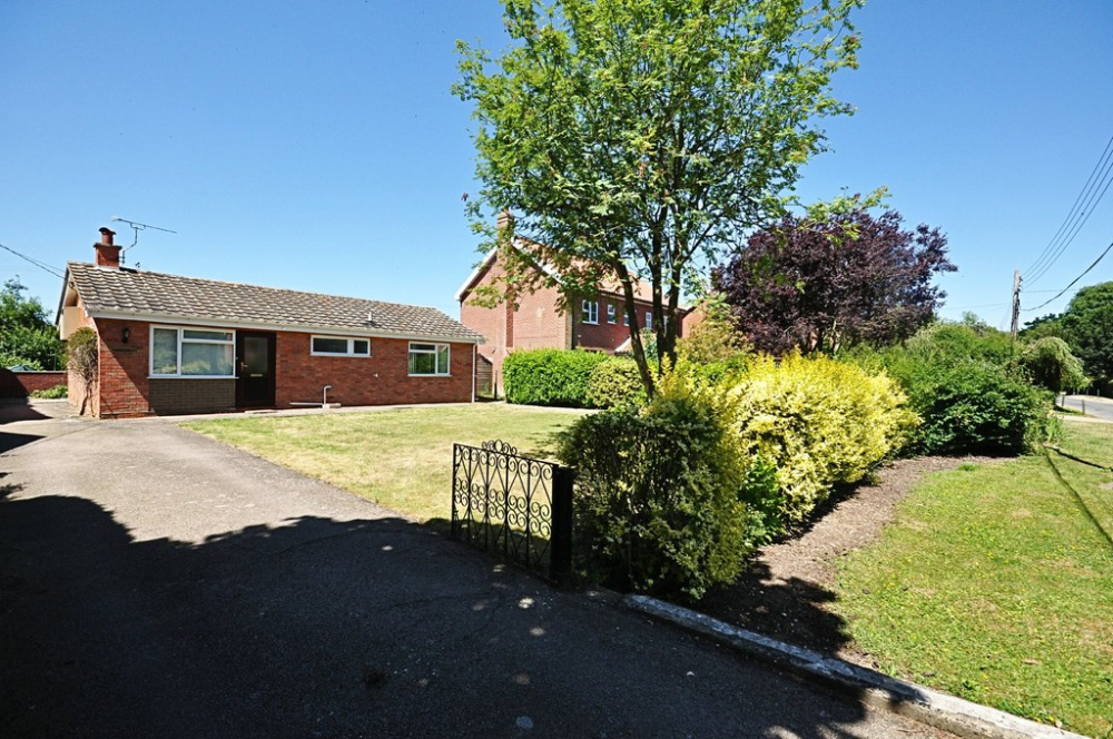 2 Bedroom Property For Sale In Mill Road Thorpe Abbotts