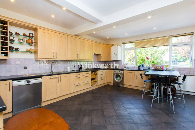 House to rent in Golders Green - Elmcroft Avenue, London, NW11