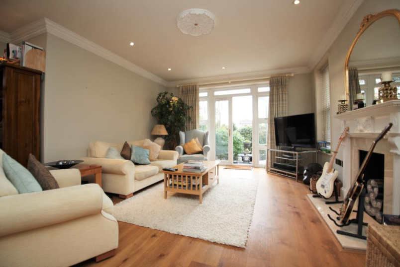 Flat/apartment to rent in Reading - Treetops, The Mount, Caversham, RG4