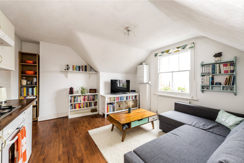 Flat/apartment for sale in Streatham - Thornton Avenue, London, SW2