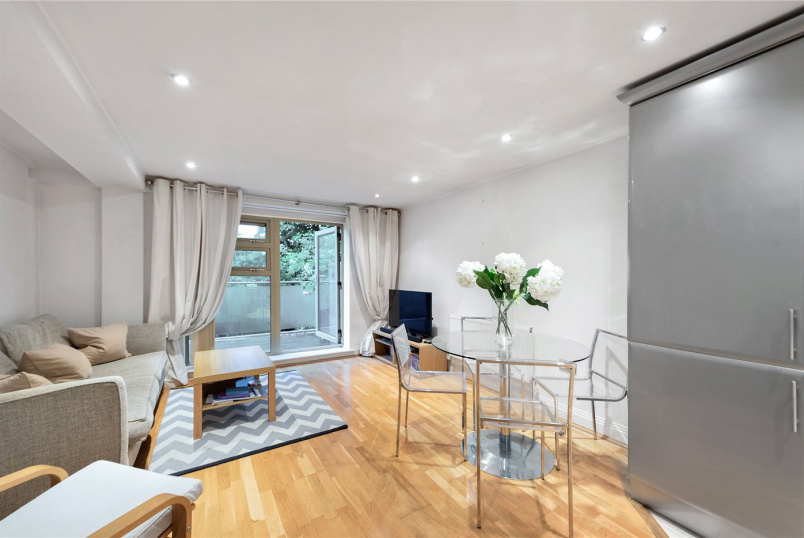 Flat/apartment for sale in Surrey Quays - Rotherhithe Street, London, SE16