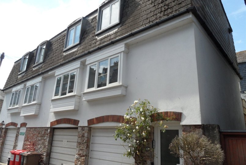 Maisonette for sale in Dartmouth - Lake Street, Dartmouth, Devon, TQ6