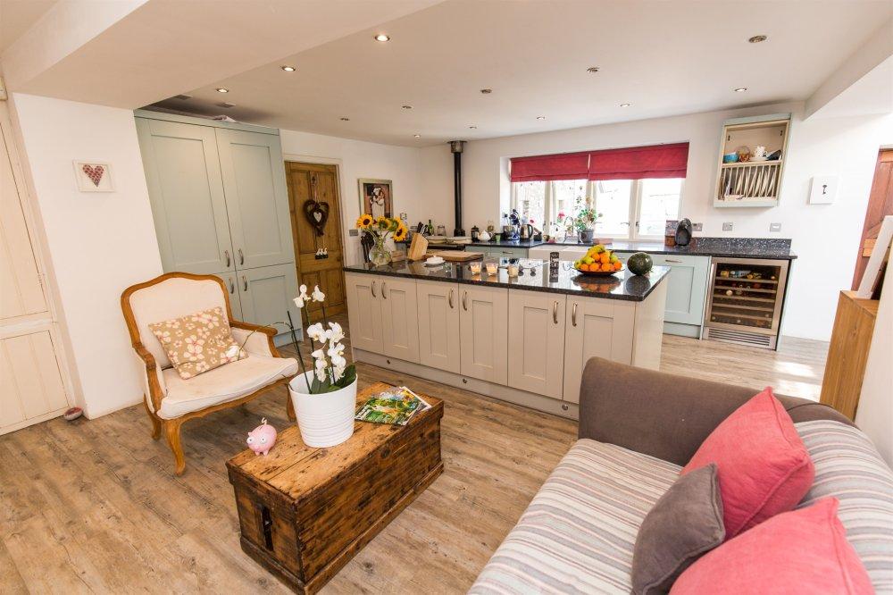 6 bedroom property for sale in Ystradowen, Cowbridge, The