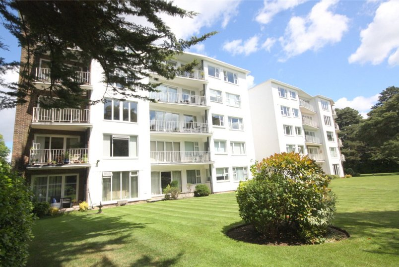 Flat/apartment for sale in Westbourne - Western Road, Branksome Park, Poole, BH13