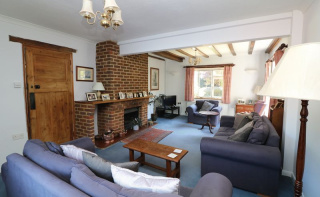 5 bedroom home with over 2700 sq ft of  accommodation set in a highly regarded semi-rural location