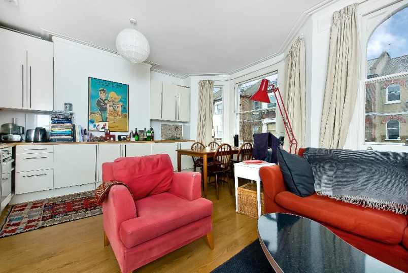 Apartment to rent in Kennington - HANDFORTH ROAD, SW9