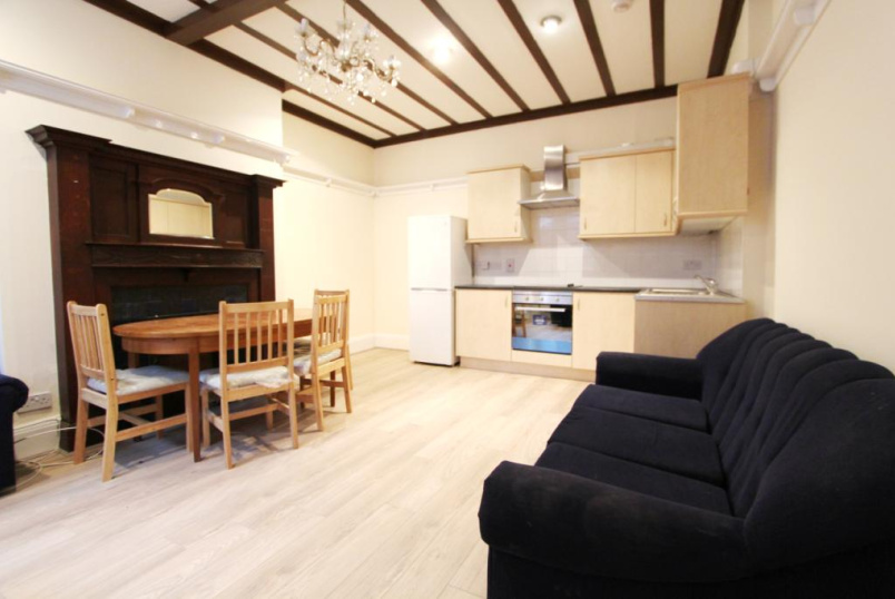 Flat/apartment to rent in Ealing & Acton - Hart Grove, Ealing, W5