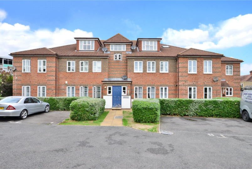Flat/apartment for sale in Cheam - Beckett House, 234 Church Hill Road, Sutton, SM3