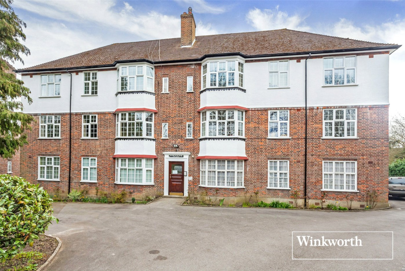 Flat/apartment to rent in Hendon - Fernside Court, Holders Hill Road, London, NW4