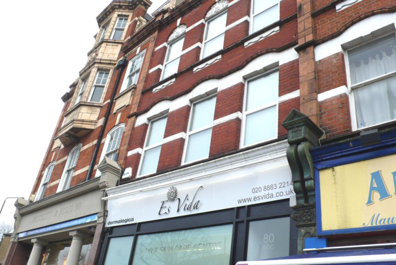 Flat/apartment to rent in Finchley - High Road, East Finchley, N2