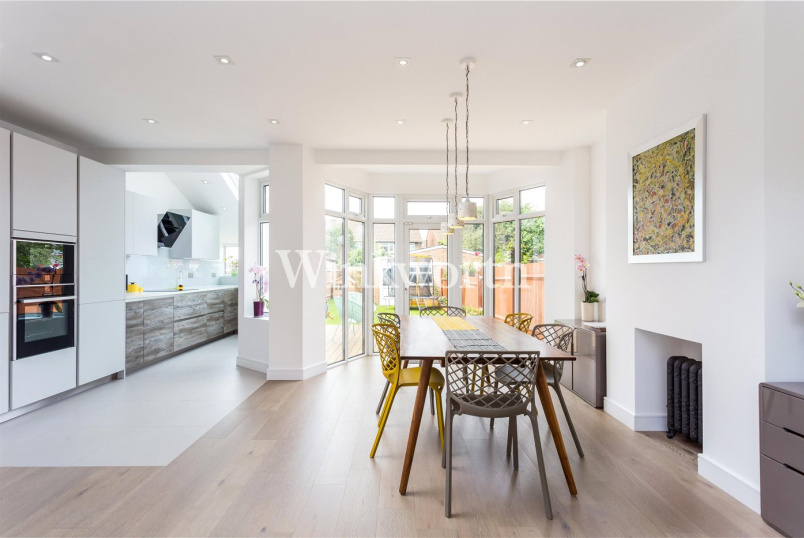 House for sale in  - Hyde Park Avenue, London, N21