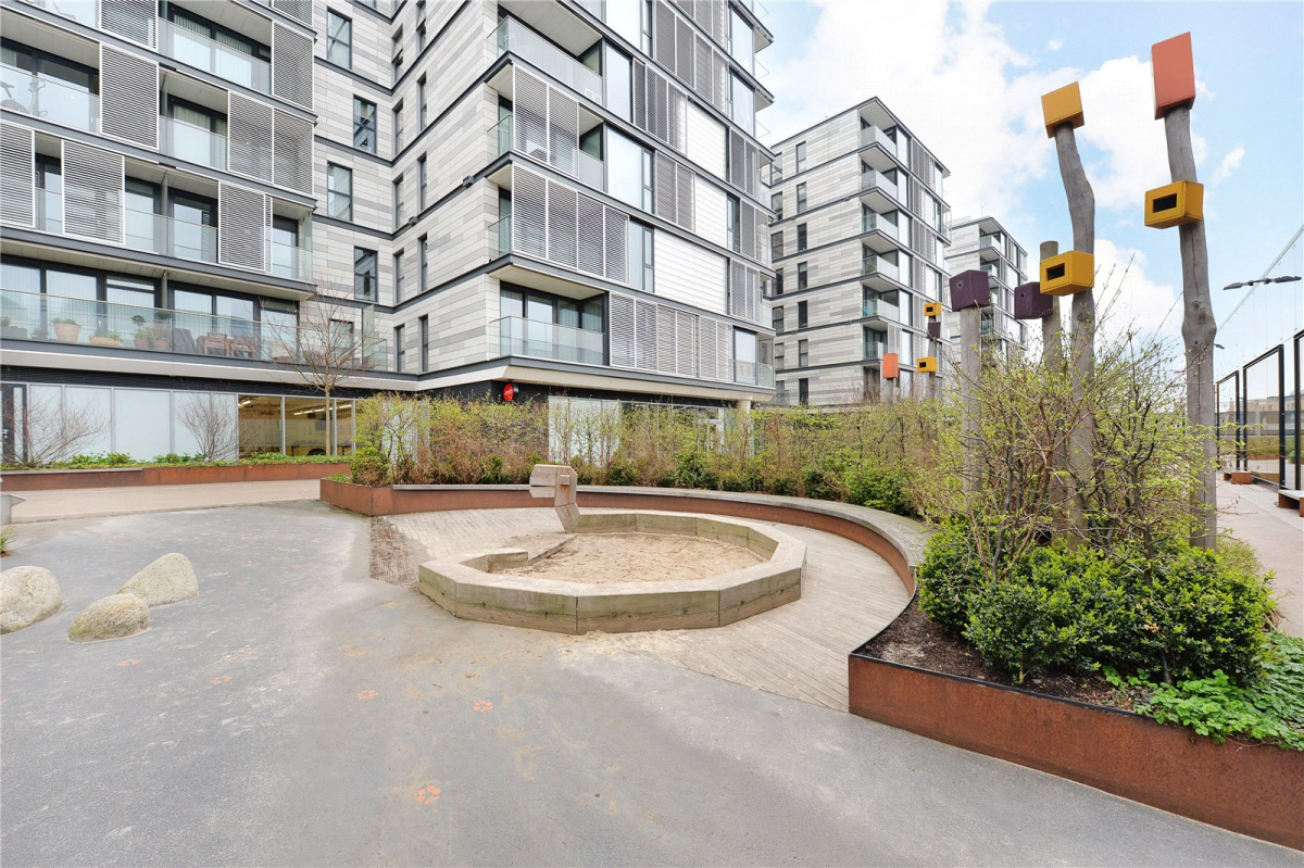 York Way, Kings Cross, London, N1C - Image 15
