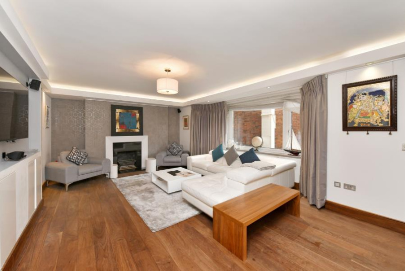 Flat for sale in St Johns Wood - BENTINCK CLOSE, PRINCE ALBERT ROAD, NW8 7RY