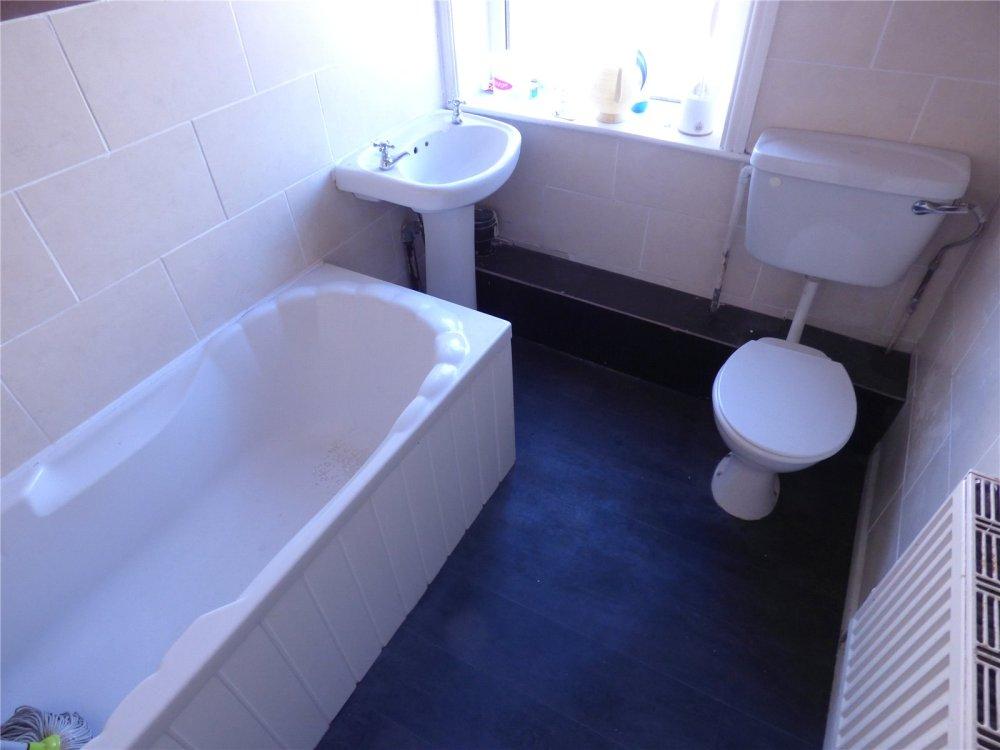 Property For Sale In Hanson Lane Halifax West Yorkshire Hx1 80000