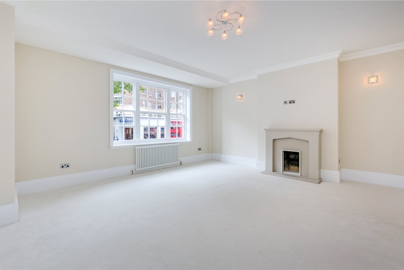 Flat/apartment for sale in Knightsbridge & Chelsea - Malvern Court, Onslow Square, London, SW7