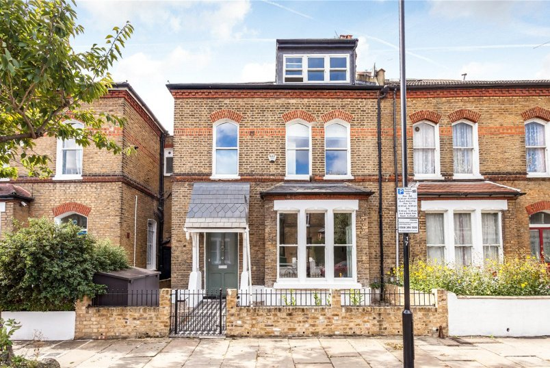 House for sale in Highbury - Finsbury Park Road, Finsbury Park, N4
