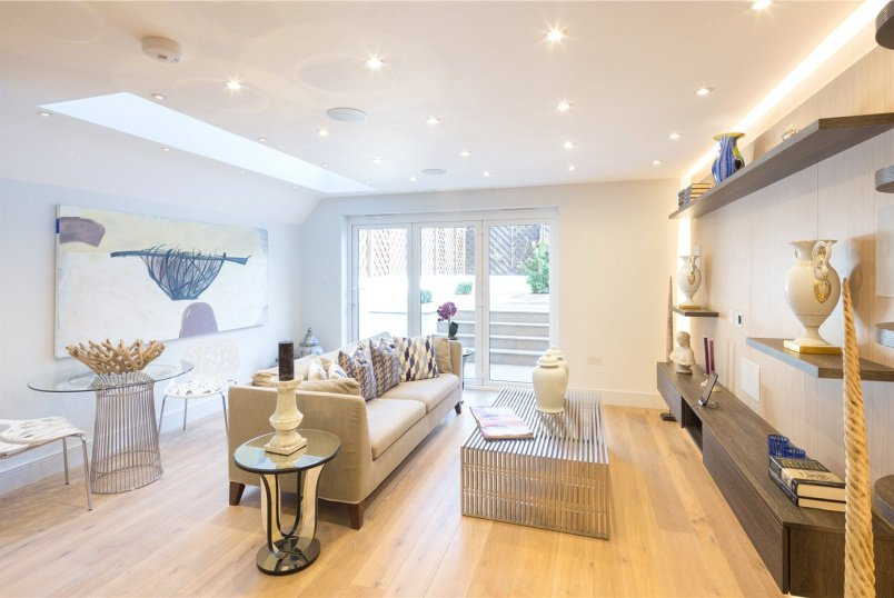 Flat/apartment for sale in Fulham & Parsons Green - Wandsworth Bridge Road, London, SW6