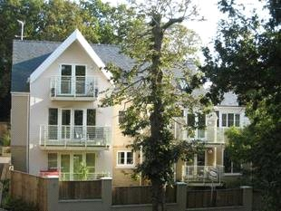 Flat/apartment for sale in Poole - Flat 2 5 Windsor View, Lowre Parkstone, Poole, BH14
