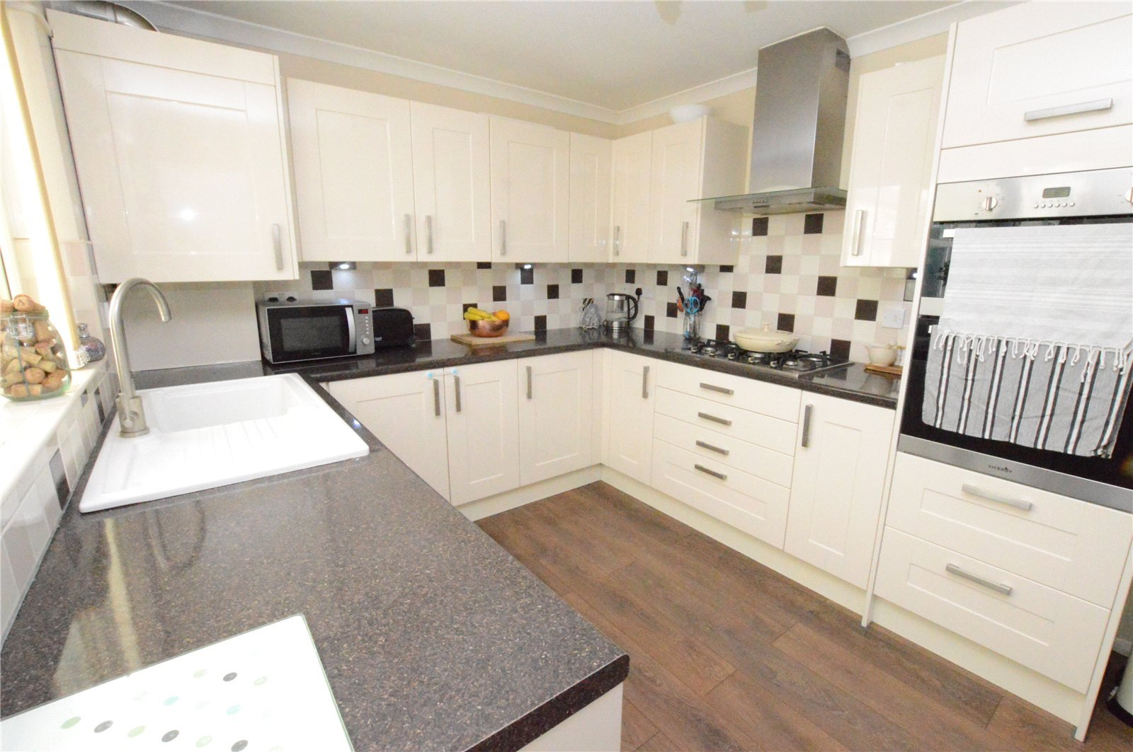 property for sale in crossgates, kitchen area, modern and fitted kitchen, neutral colour scheme