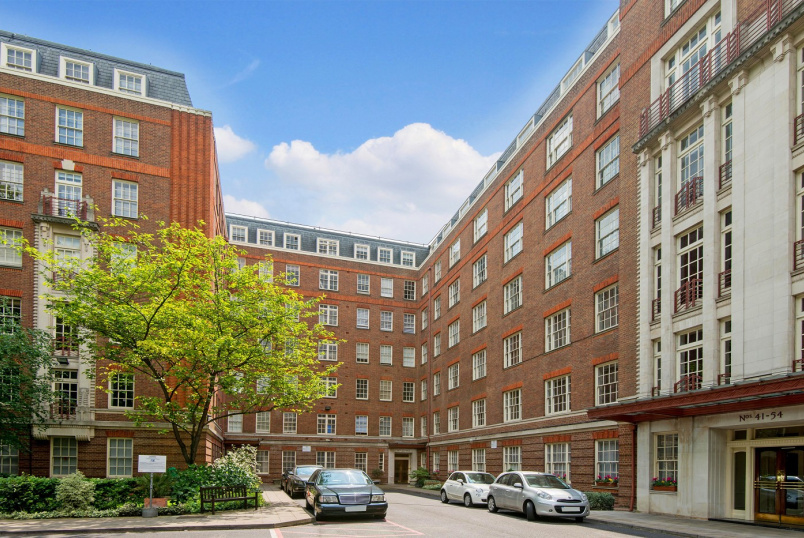 Apartment for sale in St Johns Wood - EYRE COURT, ST JOHN'S WOOD, NW8 9TT