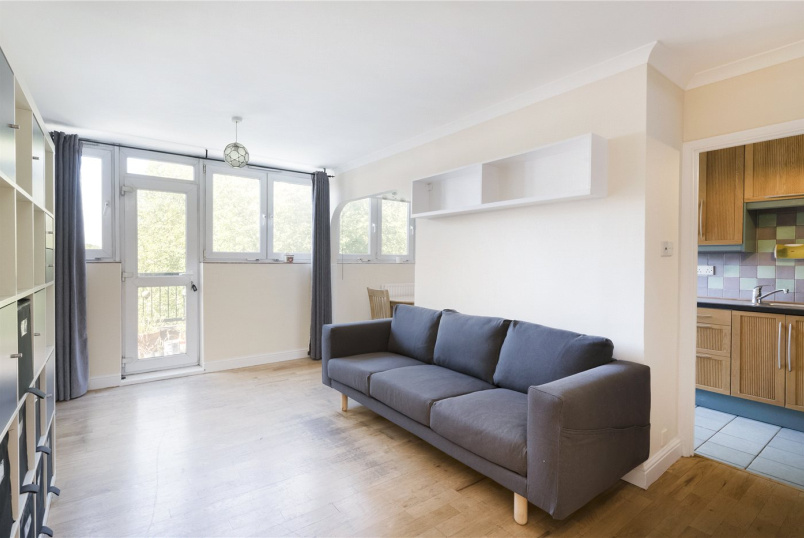 Flat/apartment to rent in Knightsbridge & Chelsea - Semley House, Semley Place, London, SW1W