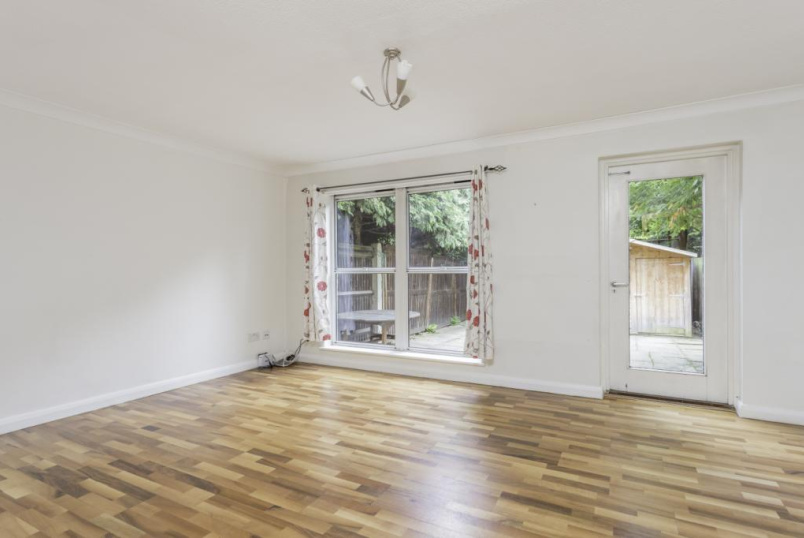 House to rent in Southfields - Holm Oak Close, Putney, SW15