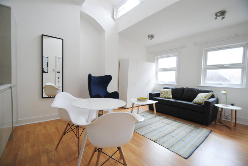 Flat/apartment to rent in Kentish Town - Holloway Road, London, N7