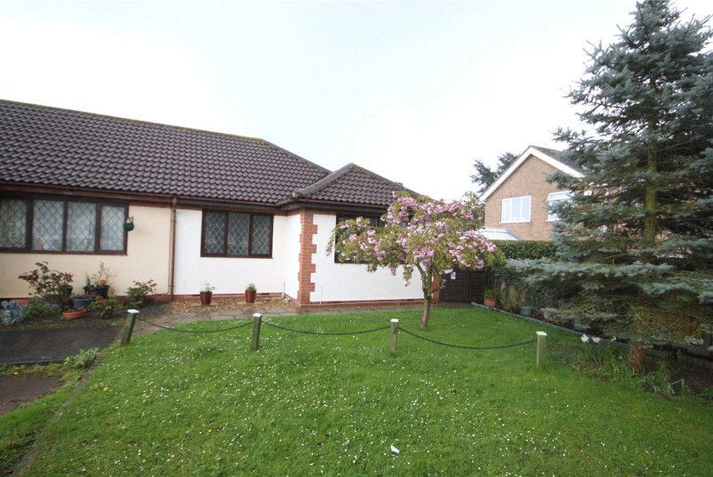 Bungalow for sale in Sleaford - Copeland Court, Sleaford, Lincolnshire, NG34