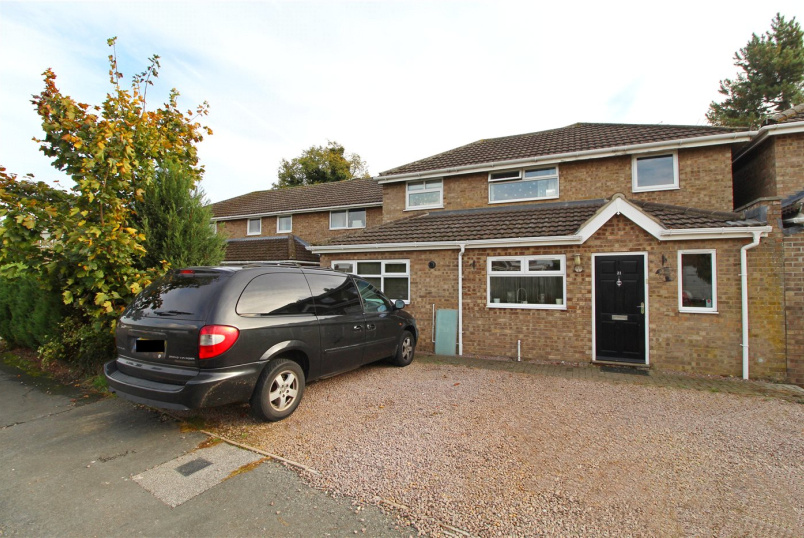 House for sale in Market Deeping - Clover Road, Market Deeping, Peterborough, PE6