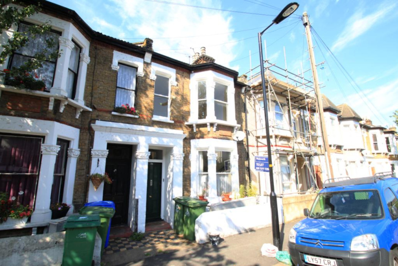 Flat/apartment to rent in New Cross - Dayton Grove, Peckham, SE15