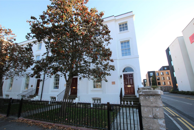 Flat/apartment to rent in Reading - St Laurence Hall, 36 London Road, Reading, RG1