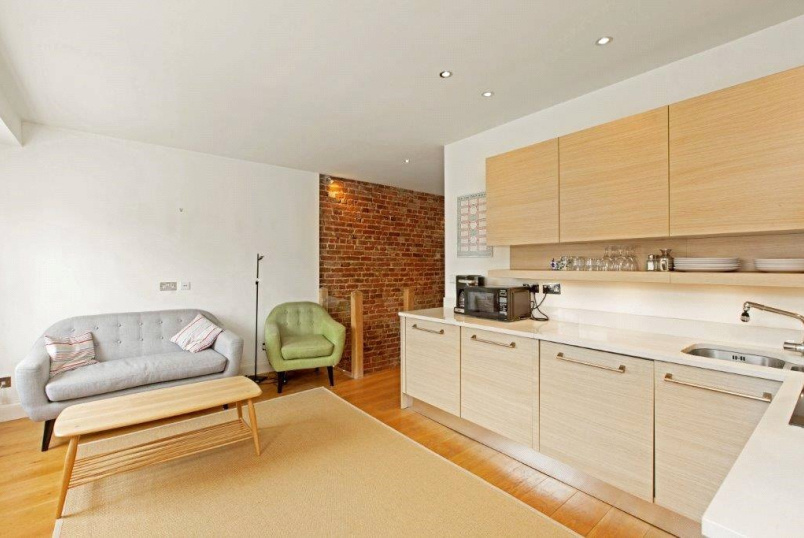 Flat/apartment to rent in Paddington & Bayswater - Spring Street, Paddington, London, W2