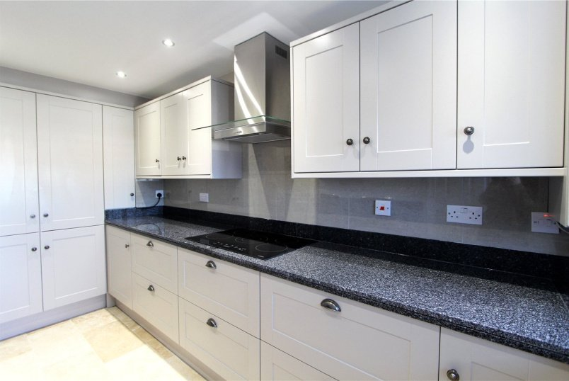 Flat/apartment to rent in Ealing & Acton - The Cedars, Ealing, W13