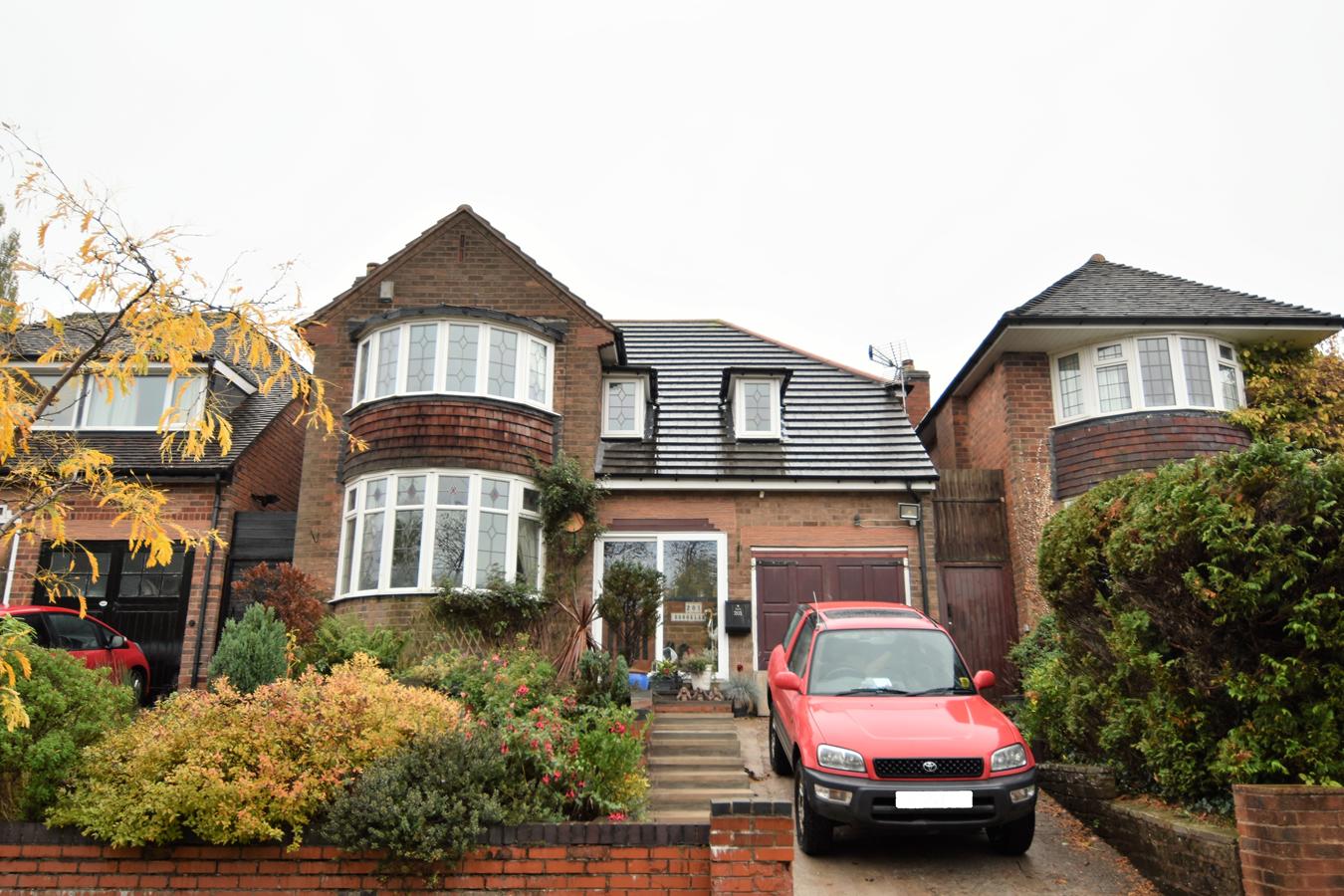 4 Bedroom Property For Sale In Rednal Road Kings Norton Birmingham B38 Offers In The Region Of 430000