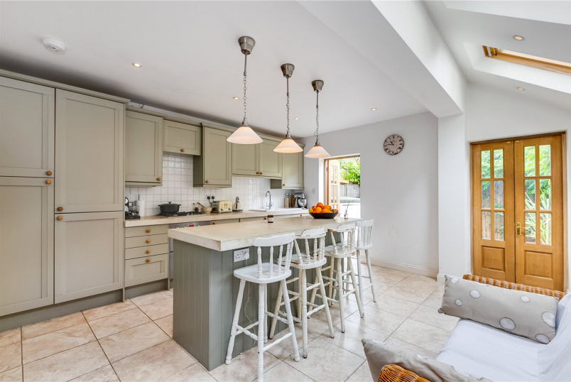 House for sale in Fulham & Parsons Green - Mablethorpe Road, London, SW6