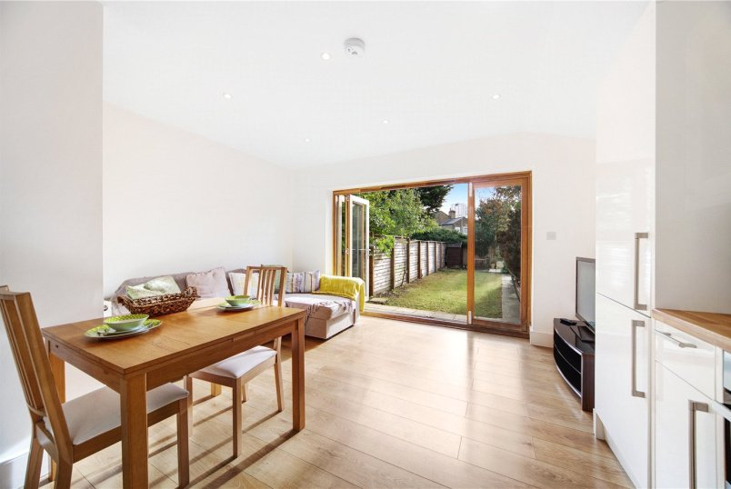 Flat/apartment for sale in Brentford & Isleworth - Whitestile Road, Brentford, TW8