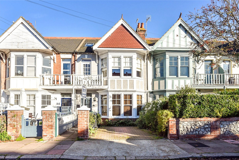 House for sale in Worthing - Alexandra Road, Worthing, West Sussex, BN11