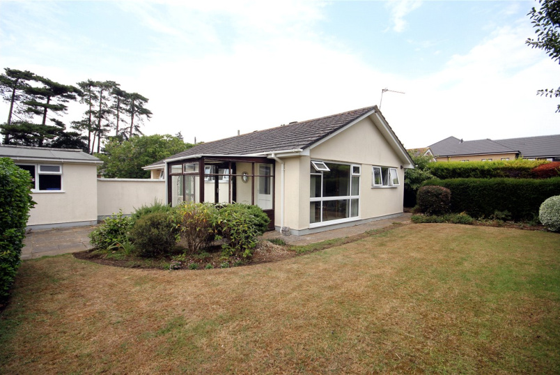 Bungalow for sale in Highcliffe - Elmwood Way, Highcliffe, Christchurch, BH23