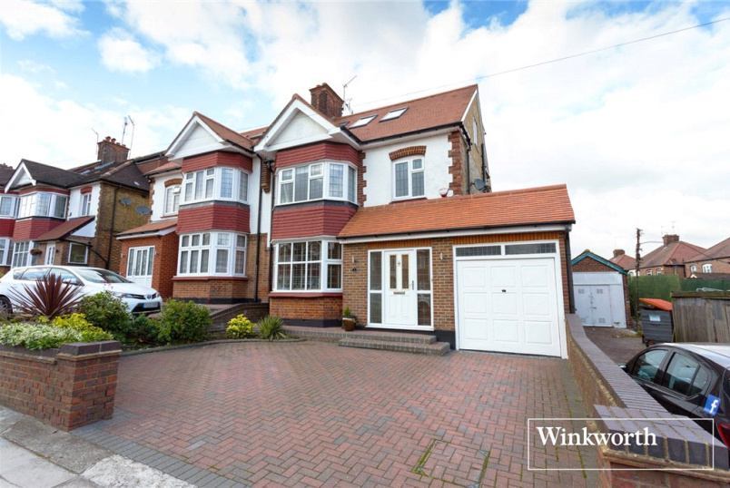 House to rent in Finchley - Lullington Garth, London, N12