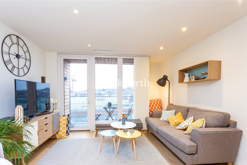 Flat/apartment to rent in Hendon - Dara House, 50 Capitol Way, London, NW9