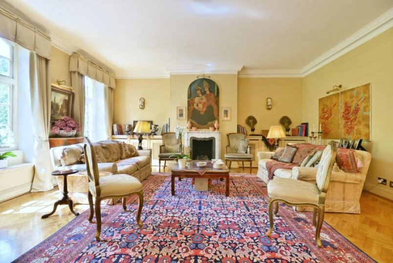 Apartment for sale in St Johns Wood - HANOVER HOUSE, ST JOHN'S WOOD, NW8 7DY