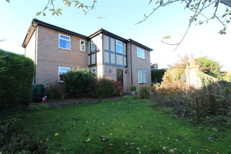 House for sale in Grantham - Barrowby Road, Grantham, NG31